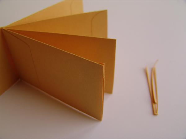 ReminisceGrandmas Brag Book {coin envelope mini album tutorial